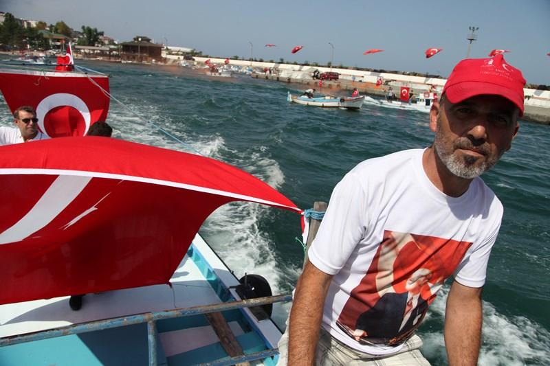 Akçaabatlı Balıkçılardan Duygulandıran Terör Protestosu galerisi resim 28