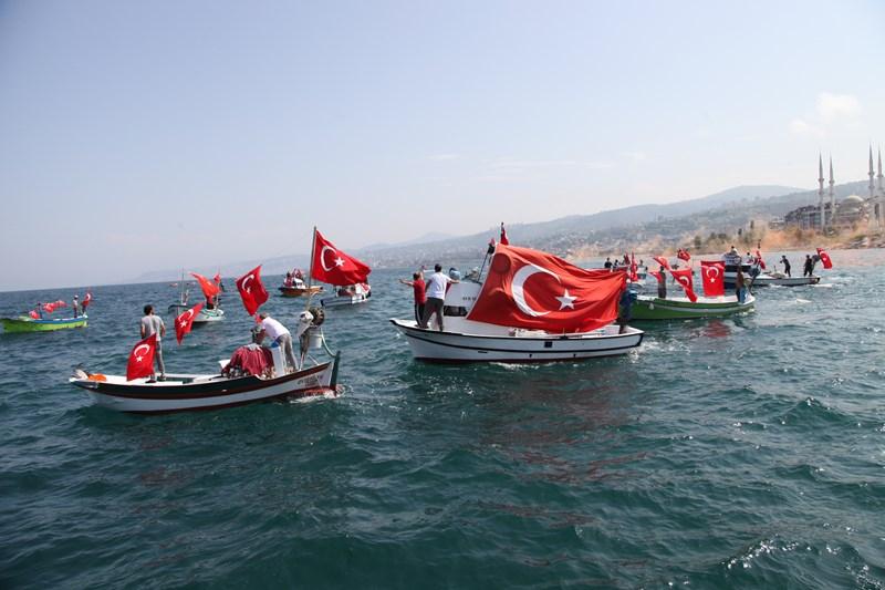 Akçaabatlı Balıkçılardan Duygulandıran Terör Protestosu galerisi resim 46
