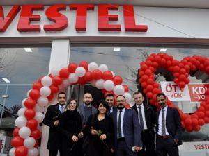 Akçaabat Vestel Uzun Ticaret Sevgililer Gününü Muhteşem Organizasyon İle