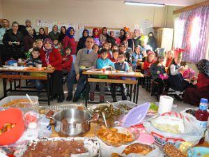 1/C Sınıfı Öğrencilerinden Yerli Malı Kutlaması