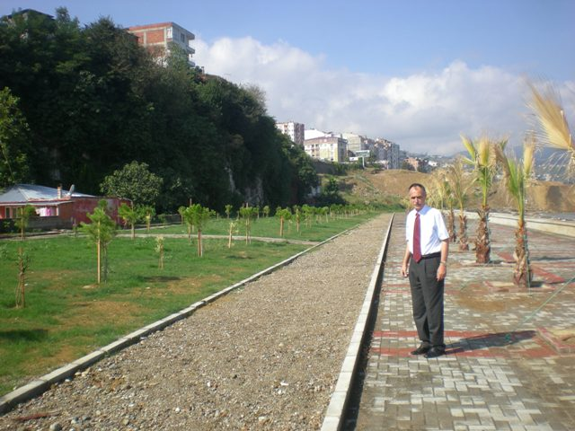 Mustafa Cumur Parkı'na Yeni Yürüyüş Yolu