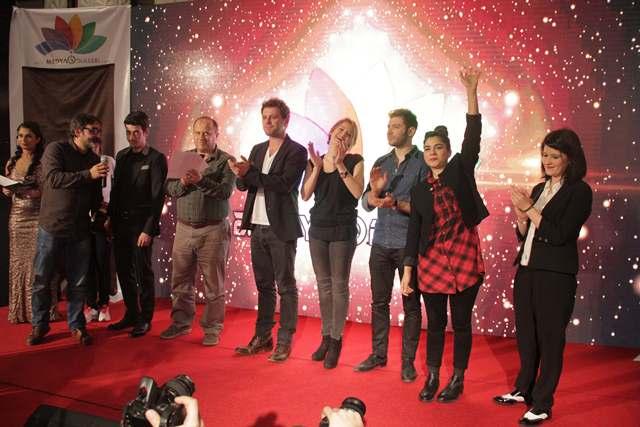 """""""Beni Böyle Sev"""" Yılın En İyi Televizyon Dizisi Seçildi"""