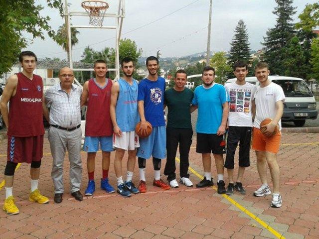 Sokak Basketbolu Etabı Oynanan Maçlarla Start Aldı.