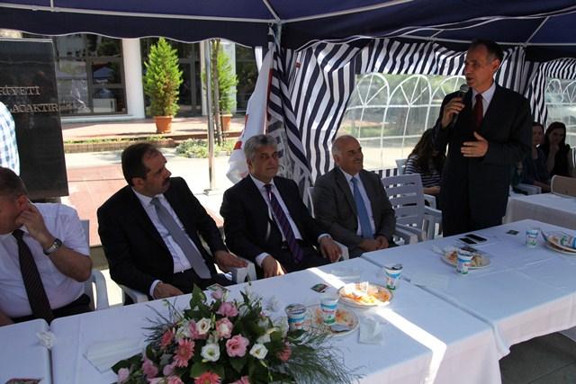 Aydın Bıyıklıoğlu Akçaabat'a Sık Sık Uğramıyor..