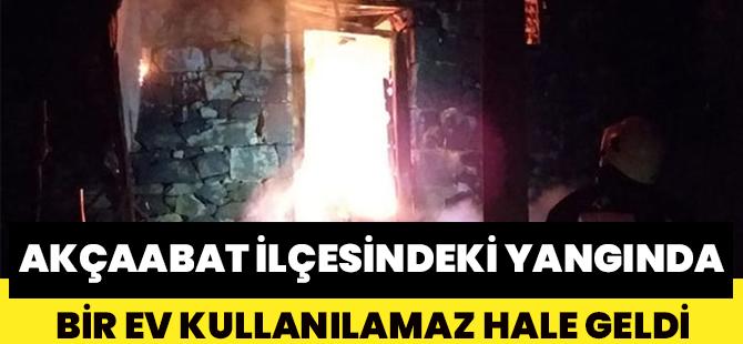 Akçaabat İlçesindeki Yangında Bir Ev Kullanılamaz Hale Geldi