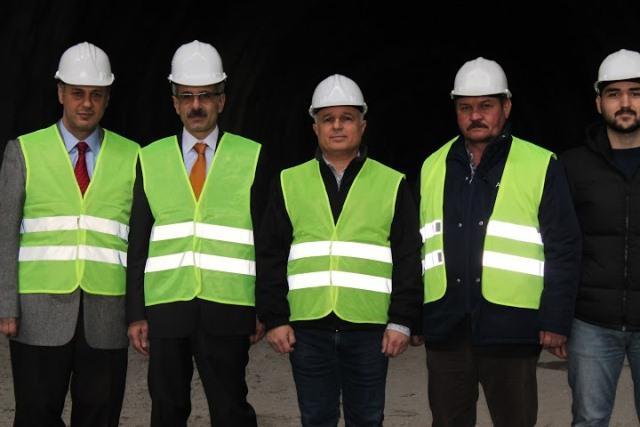 Sahil Yolu Ve Tanjant Yolu Yapılmamış Olsa Trabzon'da Herhalde Ulaşım Olmazdı.