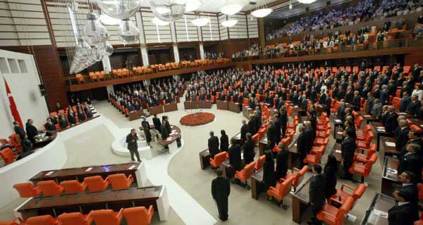 2013 Yılında Meclisi Neler Bekliyor