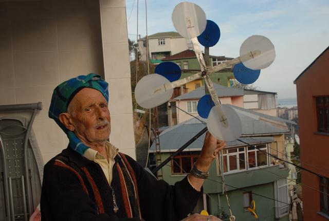 Saatçi Osman 15 Yıldır Fırfılak Yapıyor