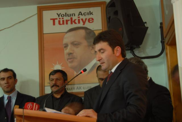 Türkiye'nin Dindar Gençleriyiz