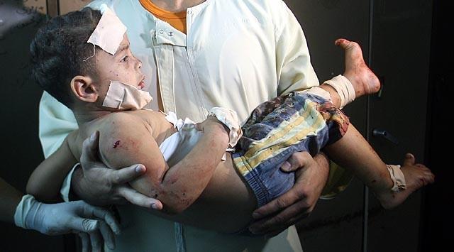 İsrail Keşif Uçağı Filistinlileri Vurdu