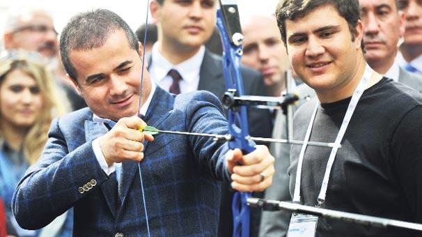 Spor Bakanı Suat Kılıç Kış Kampını Ziyaret Etti