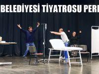 Büyükşehir Belediyesi Tiyatrosu Perdelerini Açtı