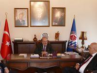 Başkan Gümrükçüoğlu, Dr. Hakmi'yi Makamında Kabul Etti