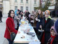 Örnek Alınacak Öğrenciler Akçaabat'ta Kermes Düzenledi.