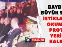 Büyük Skandal! İstiklal Marşı Okunurken Protokol Yerinden Kalkmadı