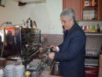 Adnan Günnar'dan Çay Servisi
