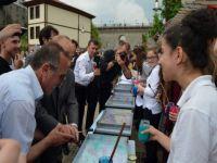 Trabzon'da İlginç Ebru Denemesi