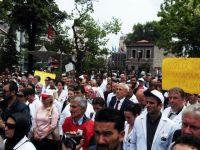Op. Dr. Kamil Furtun için Trabzon'da Yürüyüş Yapıldı