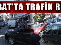 Akçaabat'ın En İşlek Caddesindeki Trafik Sorunu, Vatandaşları Canından Bezdiriyor