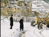 Köy Yolları Artık, Normal Değil, İnsanüstü Çalışmalarla Açılıyor.