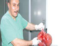50 yaşındaki Emine Bakır'ın Karnından 8 kg.Kitle Çıkarıldı.
