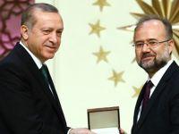 Şerif Mardin'in Ödülünü İstanbul Şehir Üniversitesi Rektörü Prof. Dr. Cengiz Kallek Aldı