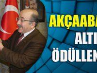 Gümrükçüoğlu, Davranışıyla Takdir Toplayan Akçaabatlı İşçiyi Altınla Ödüllendirdi