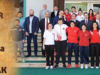 Kadın Boksörler Olimpiyat İçin Trabzon'da Yumruk Sallayacak