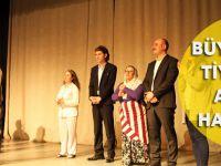 Büyükşehir Tiyatrosu Alkışı Hak Ediyor