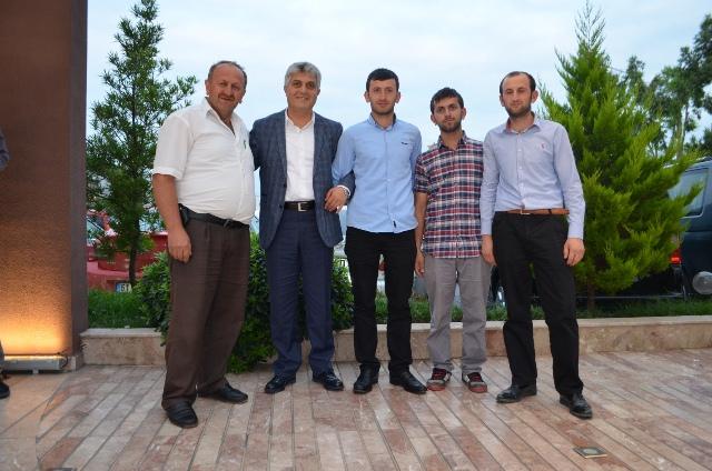 AK Parti Trabzon Milletvekili Dr. Adnan Günnar, Akçaabat İlçesinde iftar yemeği düzenledi.